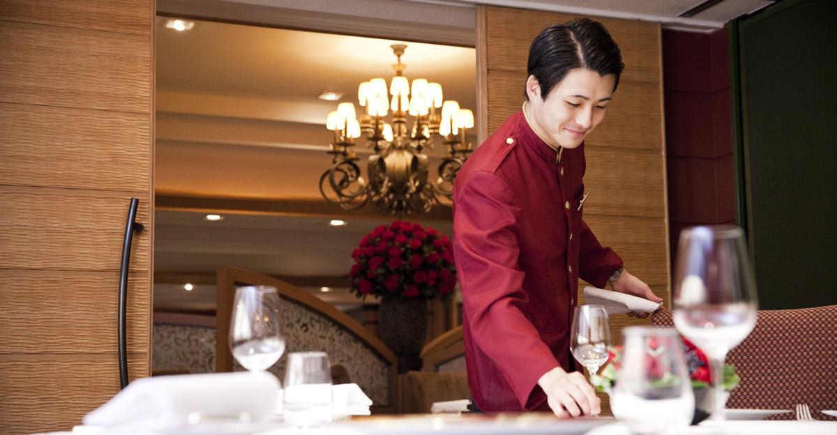 帝国ホテル東京のサービススタッフ